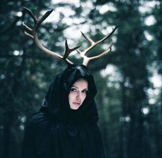 ¿Quieres saber quién es Deer Woman? Descúbrelo aquí
